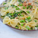 One Pot Peas + Pasta Dish - Easy Vegetarian Pasta Recipes
