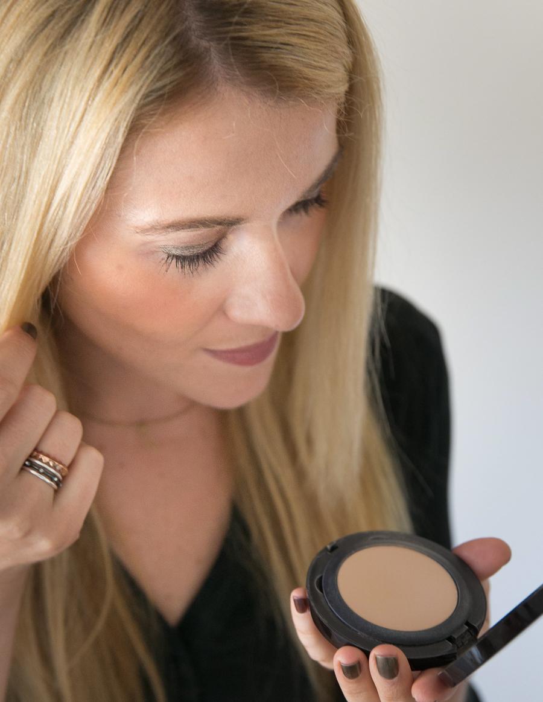 Easy Eyeshadow Look for Green Eyes