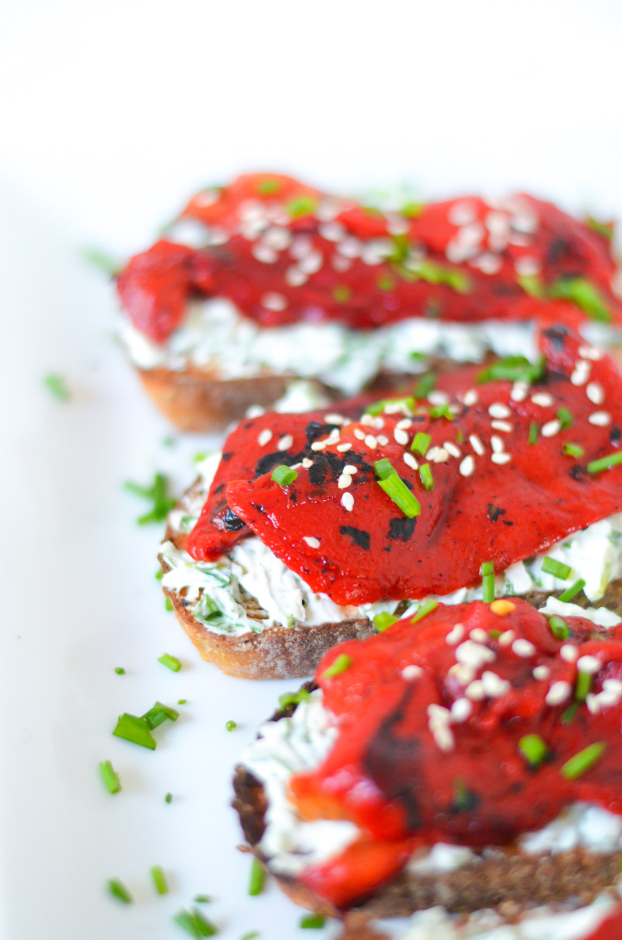 Party of 8 - Make Ahead Menu - Roasted Bell Pepper Goat Cheese Toast Appetizer Recipe - Luci's Morsels - LA Lifestyle Blog