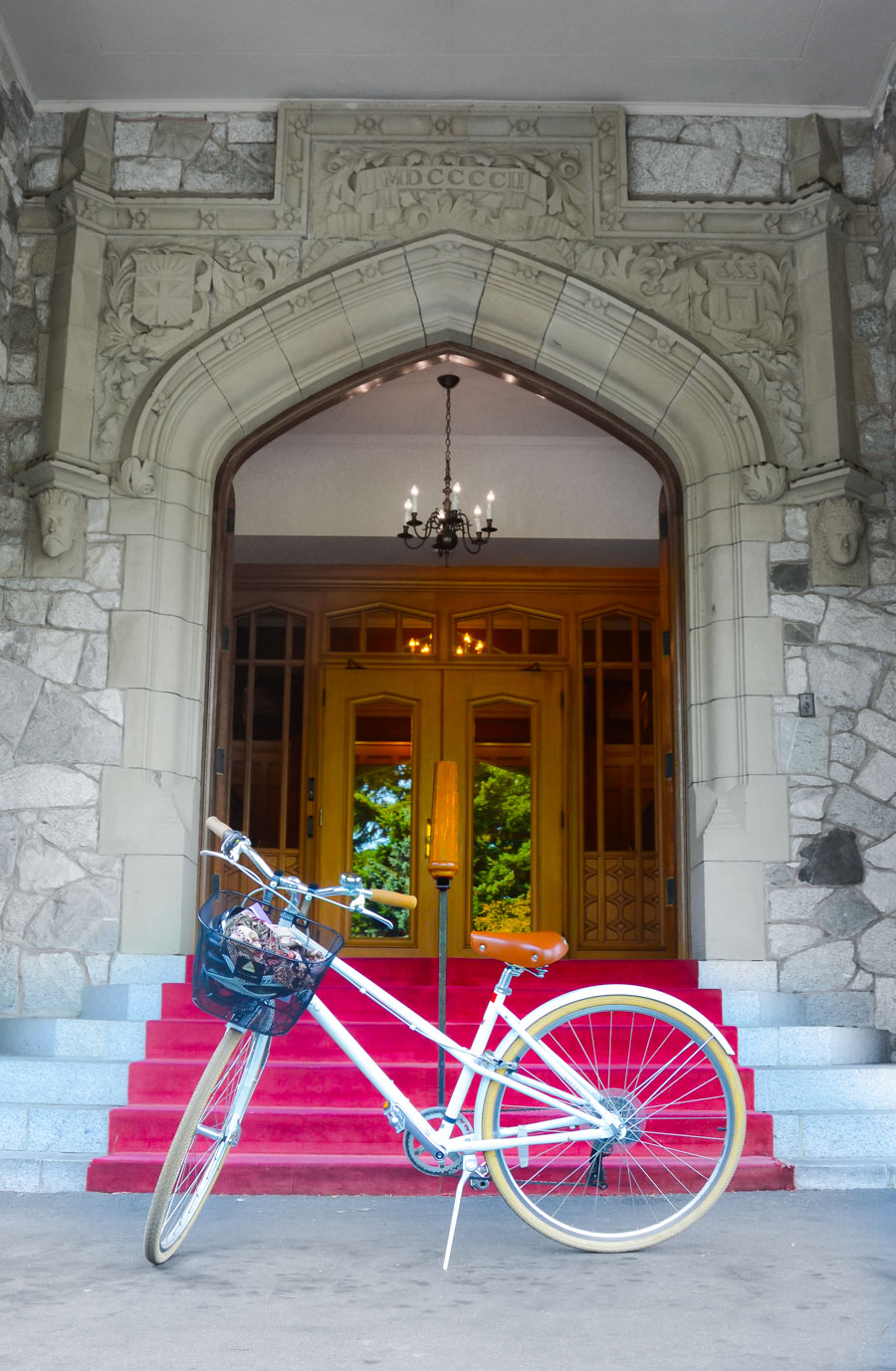 Magnolia Hotel + Spa | Where to Stay Downtown Victoria, B.C. | Government House Gardens