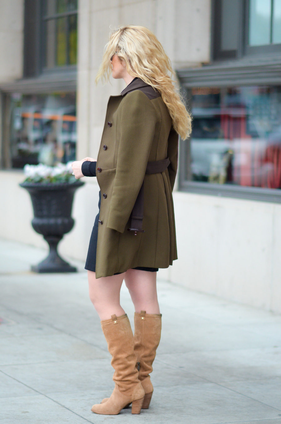 How to Wear Knee High Boots Outfit w. Dress | UGG Suede Boots w. Heel