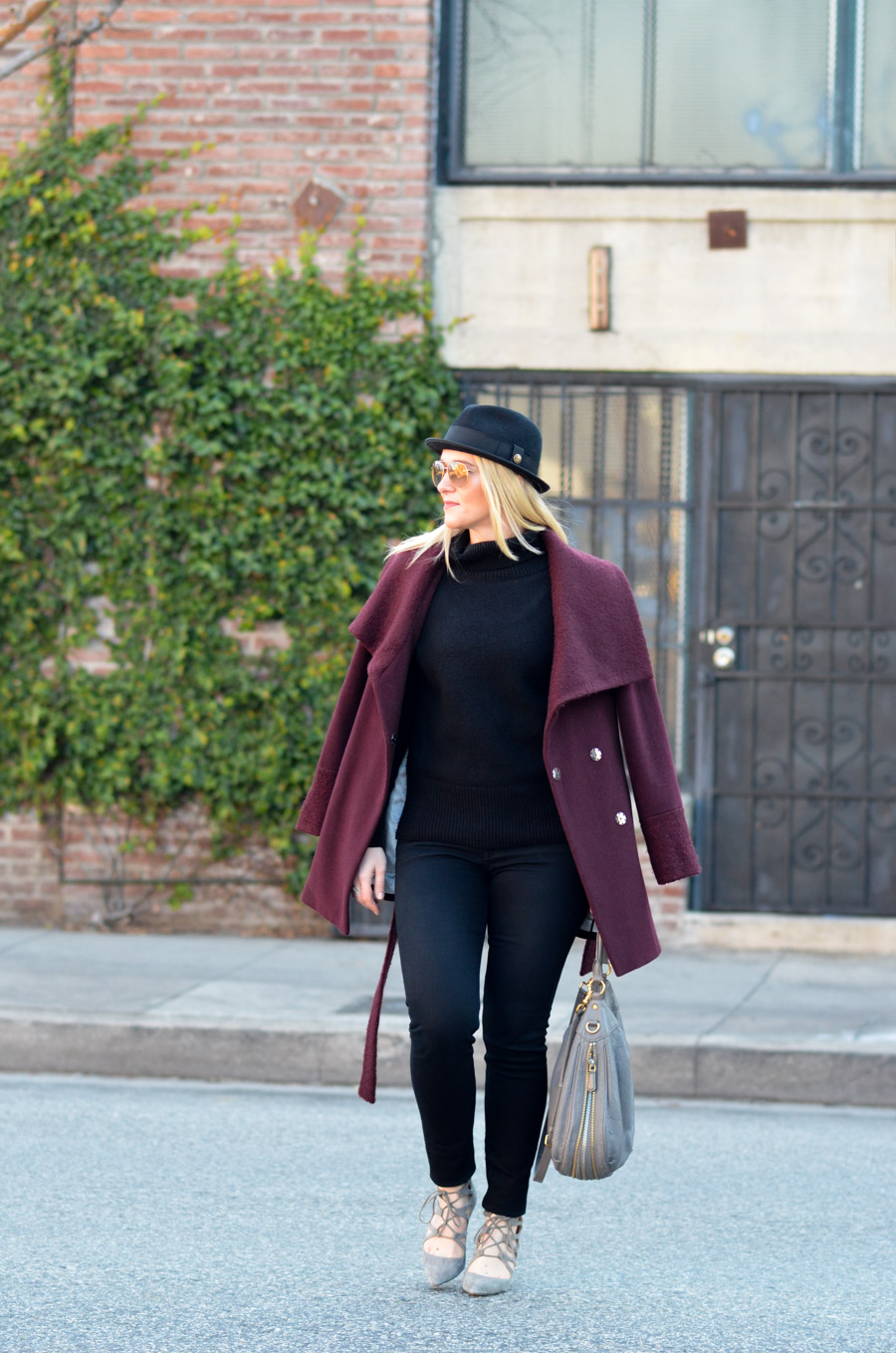 Black Turtleneck Outfit w. Black Skinny Jeans + Wrap Coat