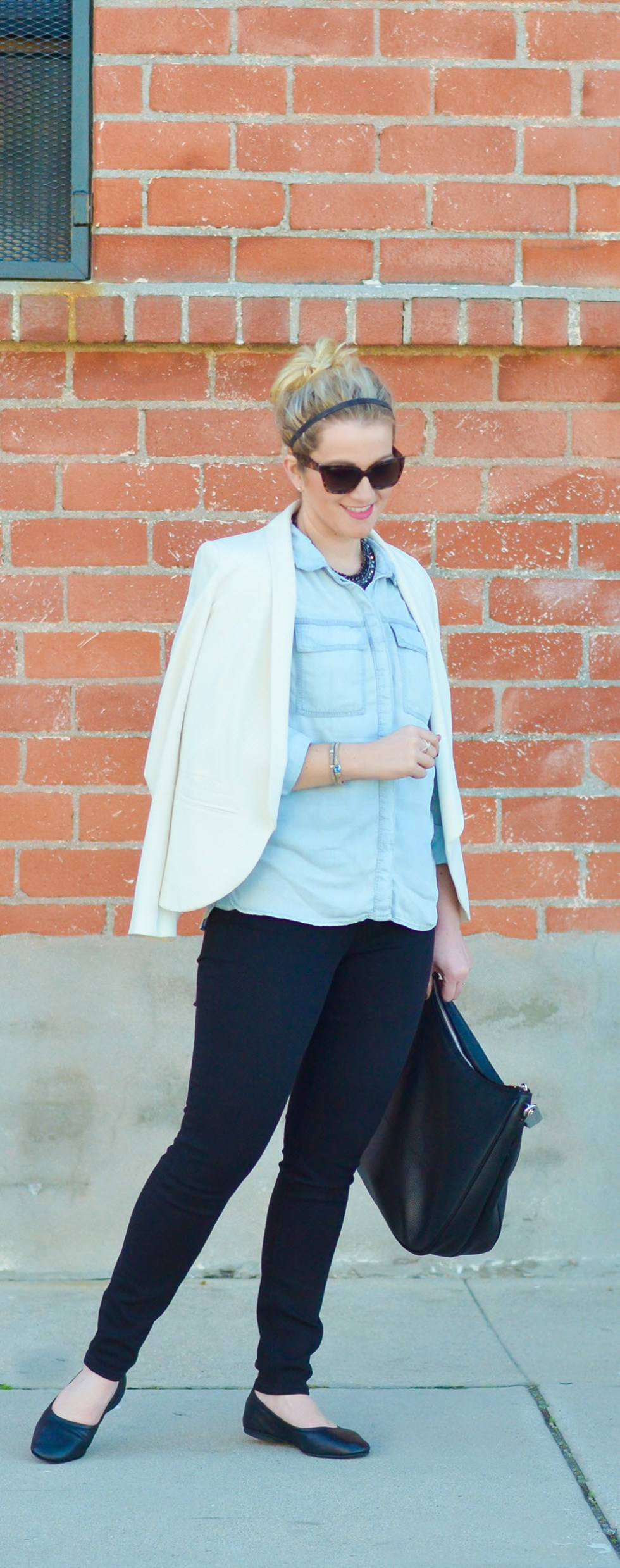 Silver Jeans Chambray Shirt Outfit w. Skinny Jeans and black ballerina flats.
