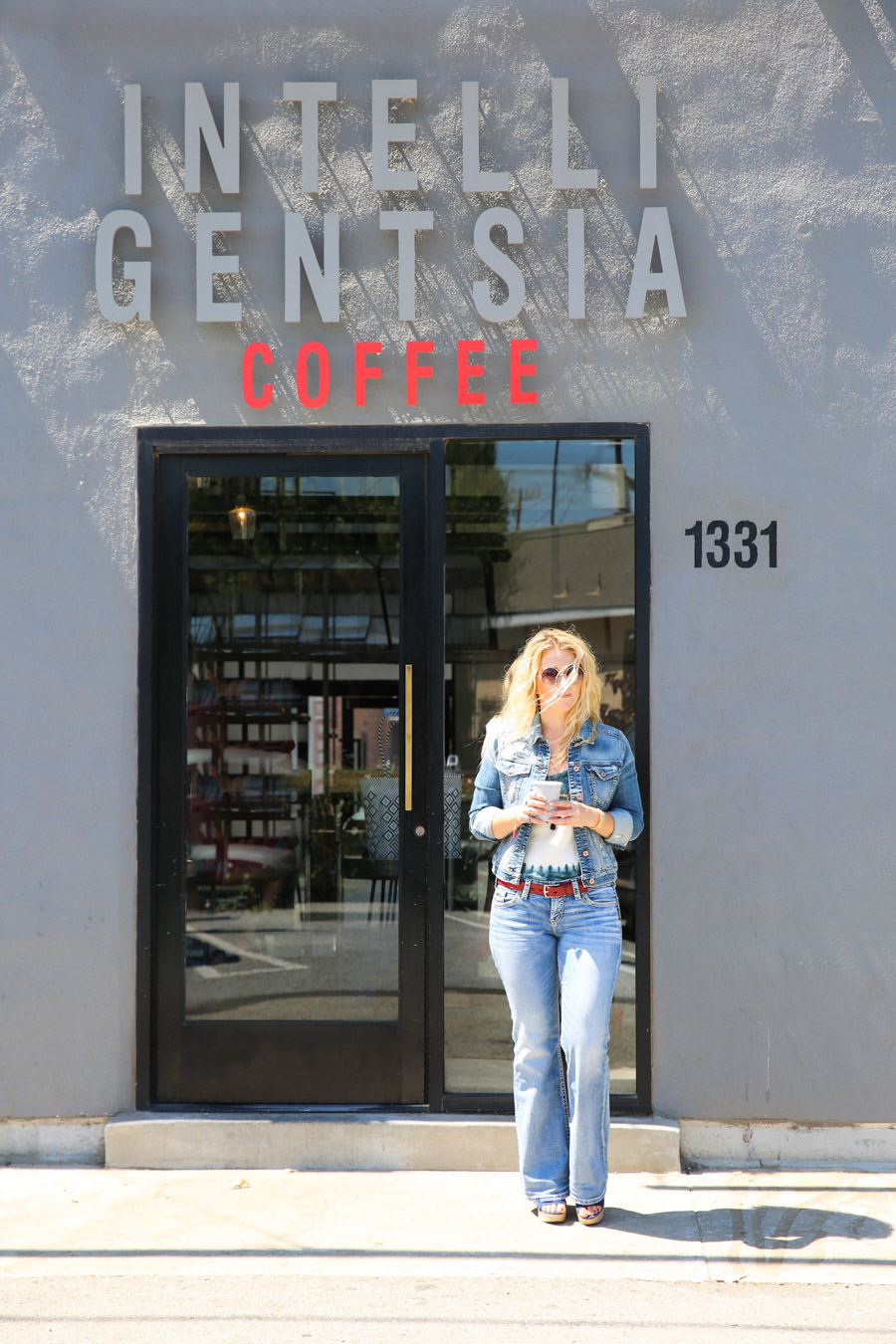 Abbot Kinney Locals Travel Guide. What to Do, Where to Eat in Venice