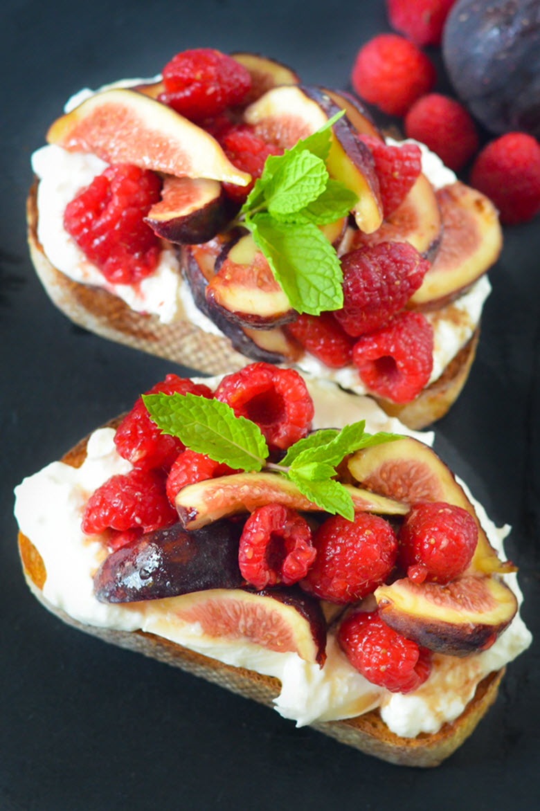 Fig + Berry Burrata Toasts w. Maple Syrup