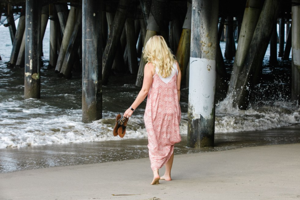 How to Wear Cropped Tank Under Maxi Dress - Women's California Style