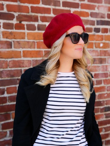 How to Wear a Beret Outfit like the French