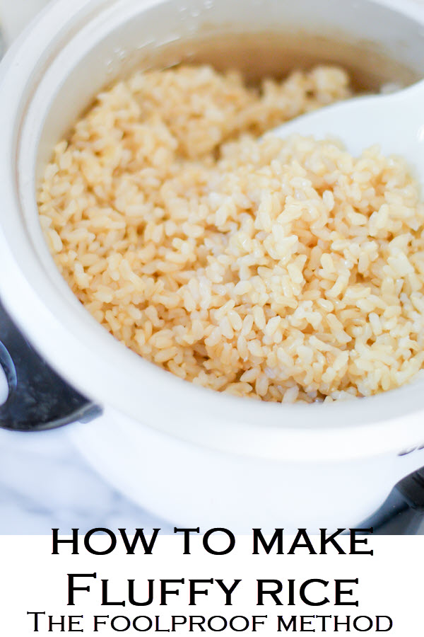 Try white rice and rice quinoa blends in this easy homemade recipe. How to Make Best Rice in Rice Cooker Ratio as well as How to Cook Quinoa in a Rice Cooker. #rice #quinoa #brownrice #ricecooker #easydinners #kitchenhacks #lifehacks #LMrecipes