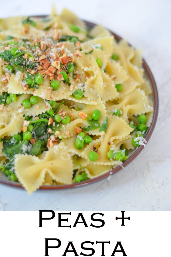 One Pot Peas + Pasta Dish - Easy Vegetarian Pasta Recipes #dinnerrecipe #easydinners #onepotrecipes #onepot #pasta #vegetarian #vegetarianrecipes #LMrecipes