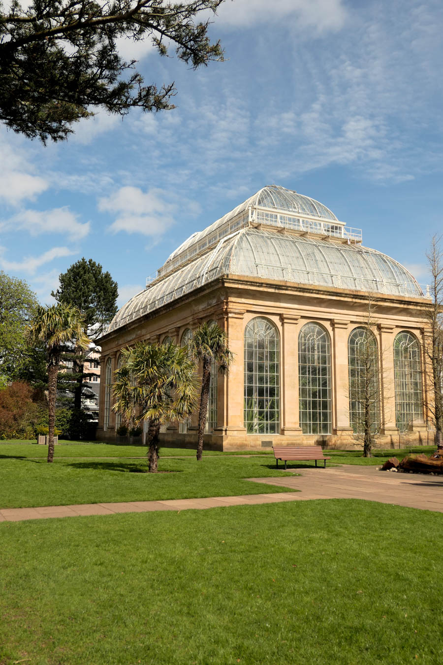 Stockbridge Edinburgh Restaurants Travel Guide - Edinburgh Botanical Gardens