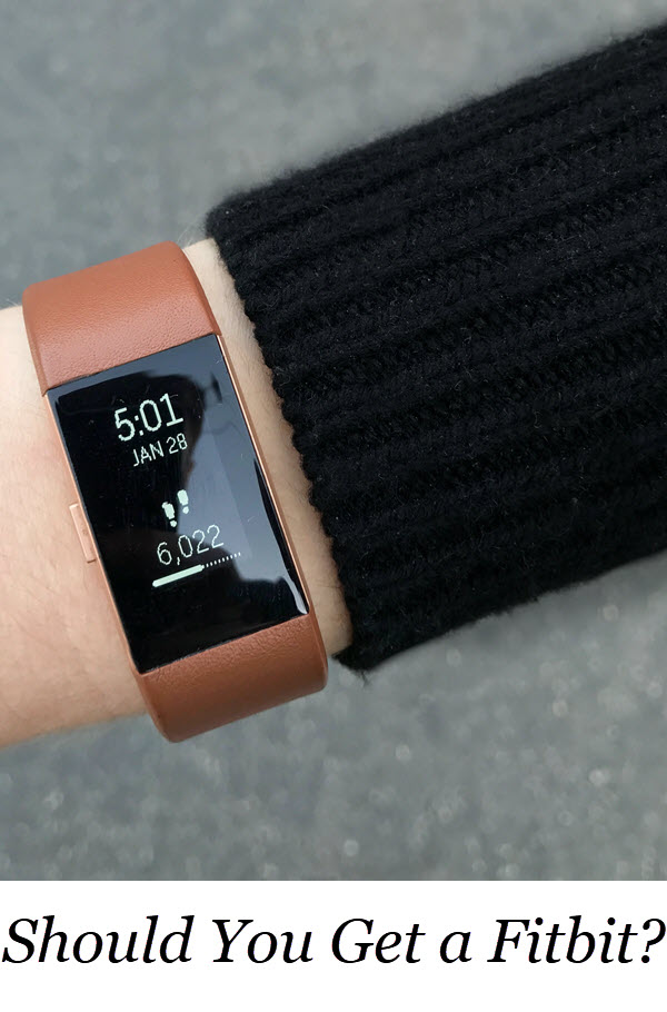 Who Should Get a Fitbit. An honest fitbit review. Is getting a fitness tracker worth it? Once you have one, what's the best way to use a fitbit?! #fitbit #health #fitness #fitspo #productreview