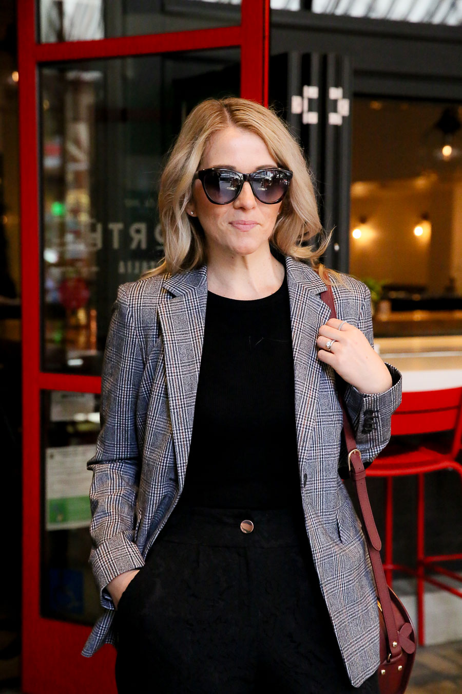 How to Wear Jogger Pants to Work with Plaid Blazer - Fall Outfit Idea