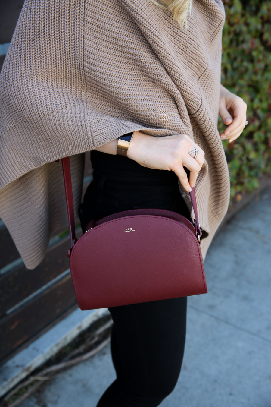 Poncho Sweater Outfit w. Jeans + APC Demi Lune Bag