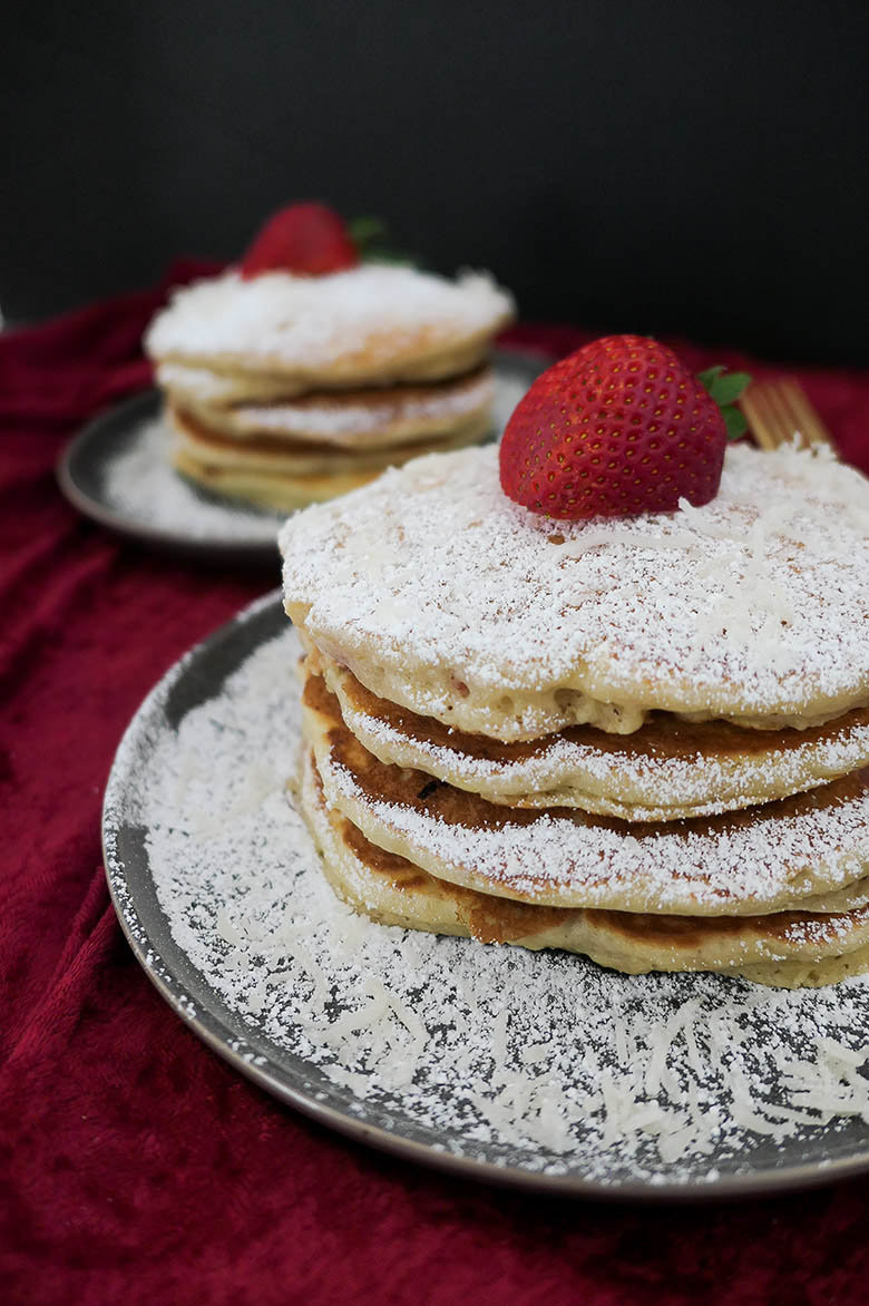 Fluffy Lemon Strawberry Pancakes