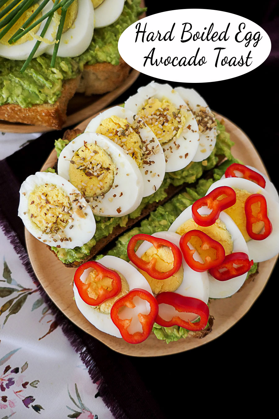 Hard Boiled Egg Breakfast Toast. These easy, make-ahead breakfast ideas are full of flavor, protein, and everything you want. Switch up these fun avocado toast toppings for extra crunch, veggies, and flavor ! #avocadotoast #breakfast #makeahead #vegetarian #lmreipces