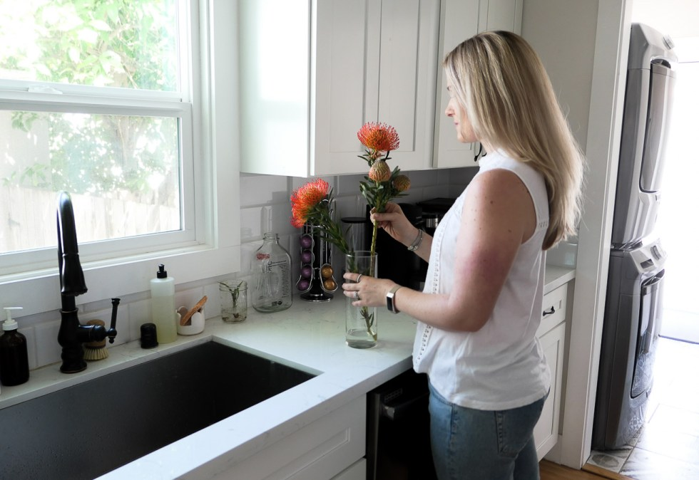 How to Connect Over the Phone - Flowers in Kitchen