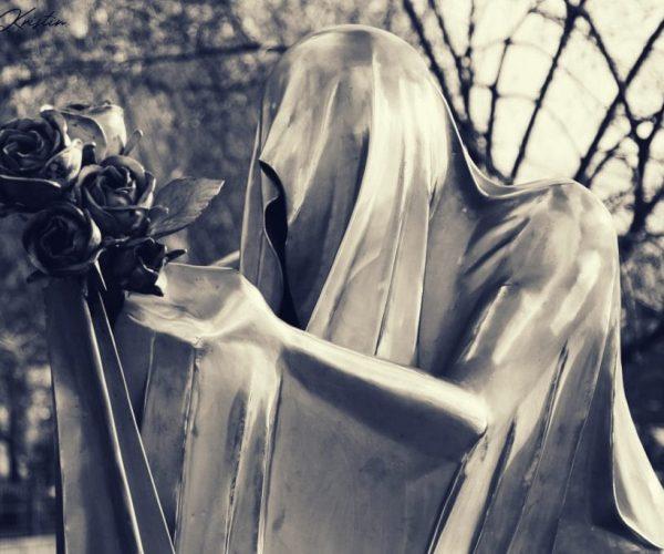 Inbal Kristin - Statues