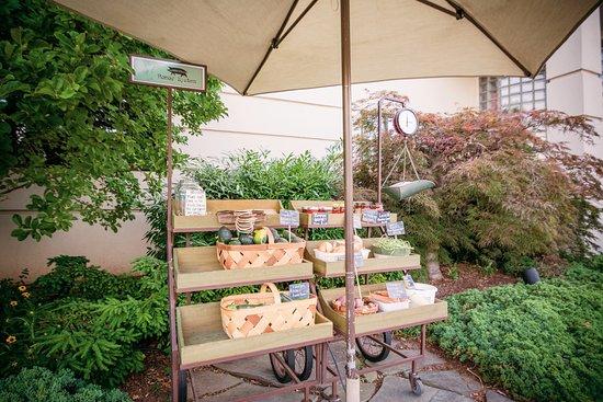 Lucky 32 Southern Kitchen Veggie Cart