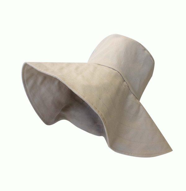 """Bucket hat """"Saturno"""""""