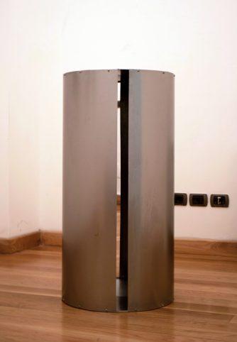 """Glimmer"". 2019. Aluminium, steel and mirror. 100.5 x 50.5 cm."