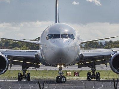 Aeroporto, aereoporto o areoporto?