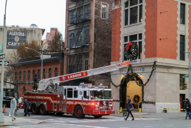 ladder 8 in new york decorating for christmas