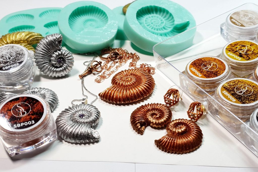 Product review: Molds&Powders Review. Jewelry with ammonites 8