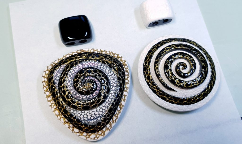 How to make: Focal Bead 4 styles - Textured Yin-Yang Swirl for Unusual Pendant 5