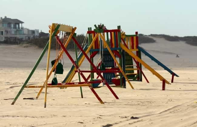 Juego para chicos en las playas de Cariló