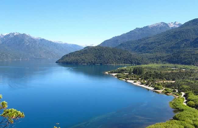 Foto Lago Puelo Turismo - www.lugaresparavisitar.com.ar