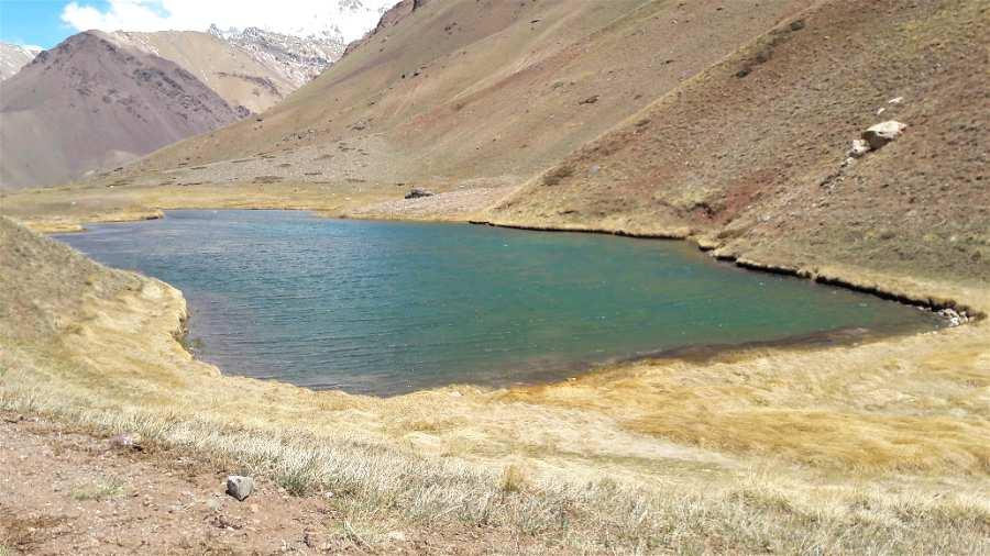 Lago espejo parque aconcagua