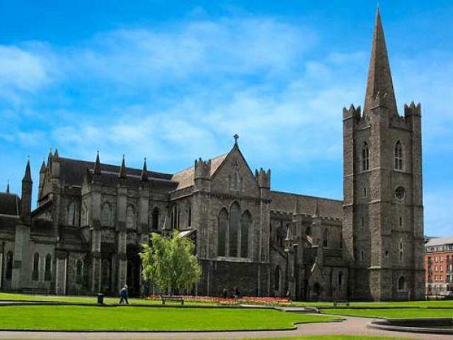 Visitar la Catedral de San Patricio, la más famosa de Dublín