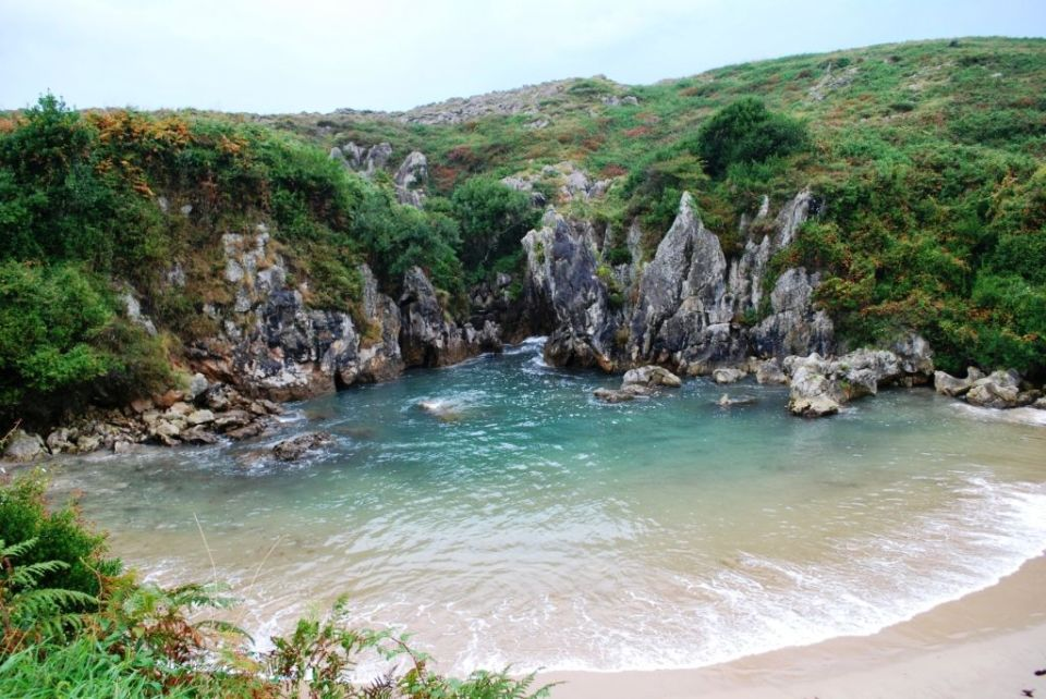 Playas vírgenes Gulpiyuri