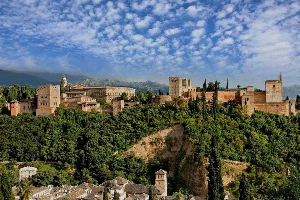Parador de Granada, uno de los paradores de España más bonitos