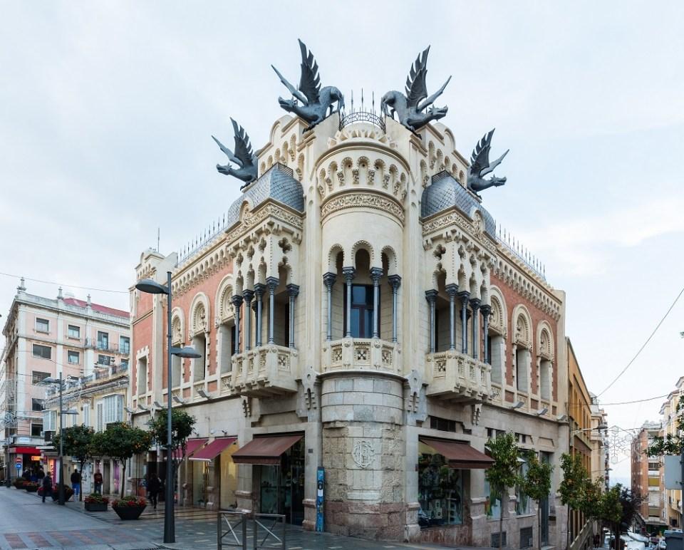 Visitar la Casa de los Dragones de Ceuta
