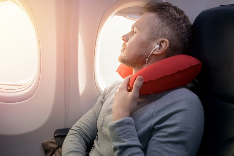 Accesorios para dormir en un viaje