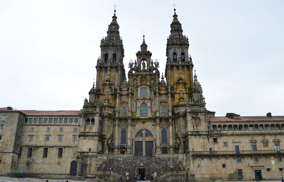 En la catedral de Santiago se encuentran los restos del apóstol Santiago el Mayor
