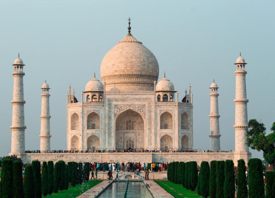 Al Taj Mahal puedes llegar por carretera, pero en avión privado es más rápido
