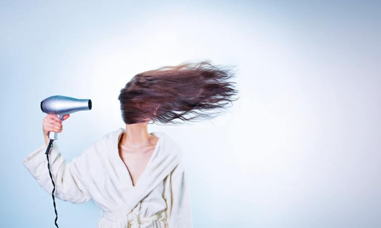 Te presentamos los mejores secadores de pelo para viajes que puedes comprar