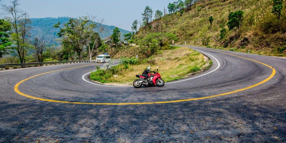 viaje en moto y coche