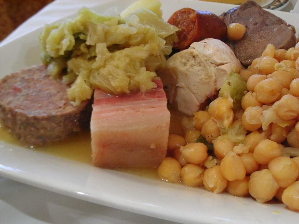 El cocido es tradicional en la comida típica de España