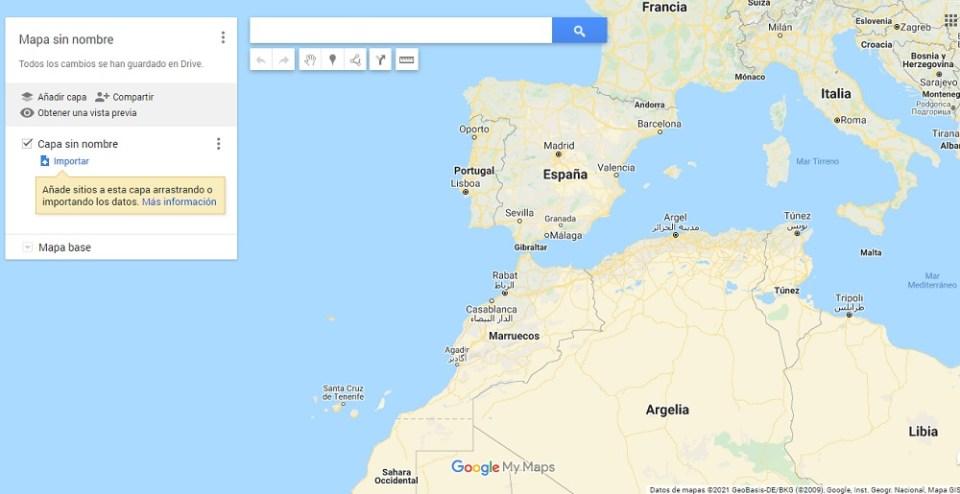 Puedes añadir al mapa no solo la ruta a seguir, sino todos los lugares por los que quieras detenerte y hasta los sitios que vas a visitar