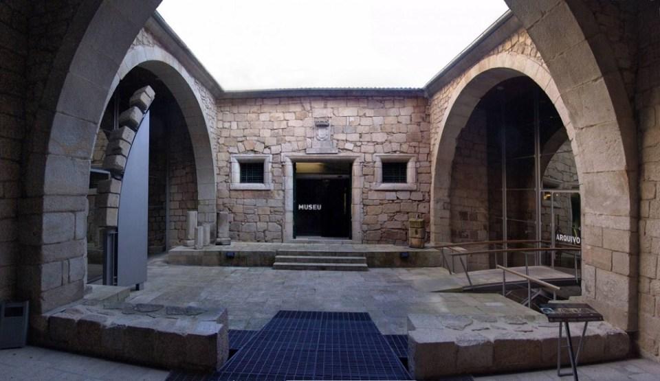En la Casa do Infante vivió Enrique el Navegante