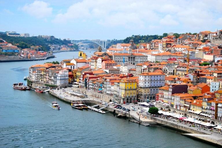 Los sitios que ver en Oporto están llenos de historia y belleza