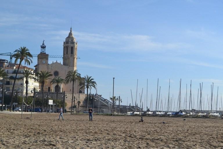 hoteles baratos en Sitges en primera linea de playa