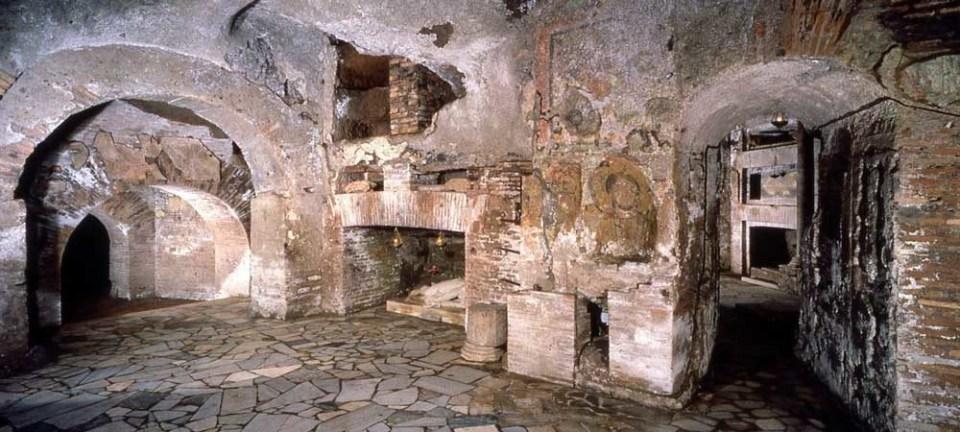 Las Catacumbas fueron cementerios cristianos y judíos