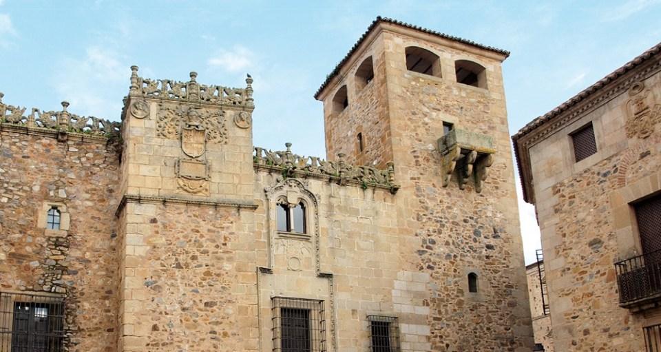 El Palacio de los Golfines sirvió como hospedaje a los Reyes Católicos en dos ocasiones