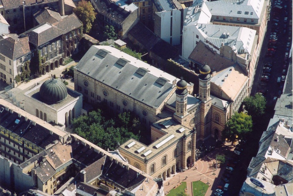 La Gran Sinagoga es uno de los sitios que ver en Budapest junto con el Museo Judío o el monumento del Holocausto