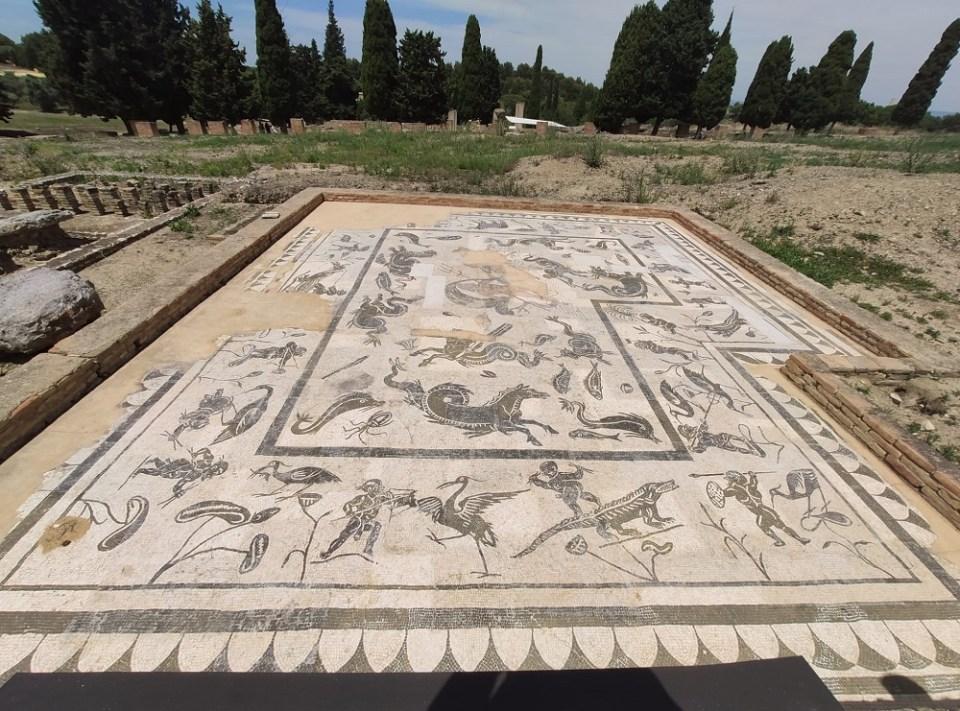 En Itálica se conservan suelos intactos