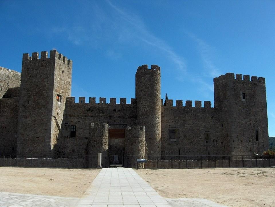 En Montemayor del Río, uno de los pueblos cerca de Salamanca, lo más destacado es el Castillo de San Vicente